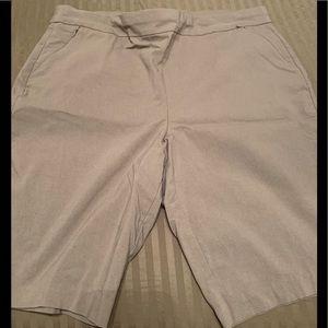 CHICOS Sz 3 (16/18) Bermuda Shorts EUC